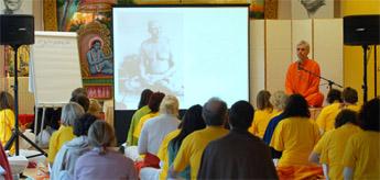 Conferencia Curso de Profesores de Yoga